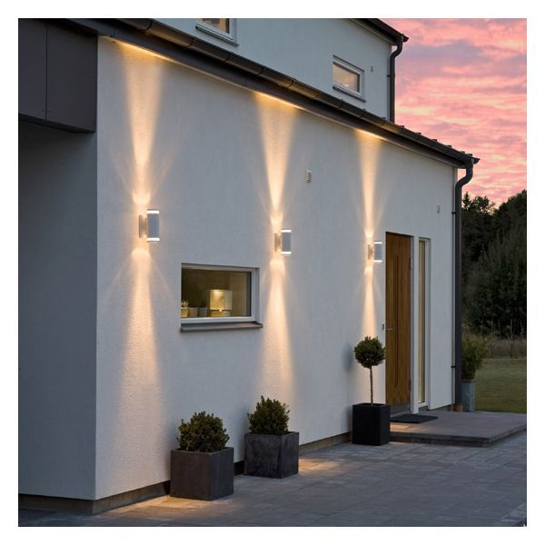 Eclairage ext rieur blanc jardin secret eclairage for Illumination exterieur maison