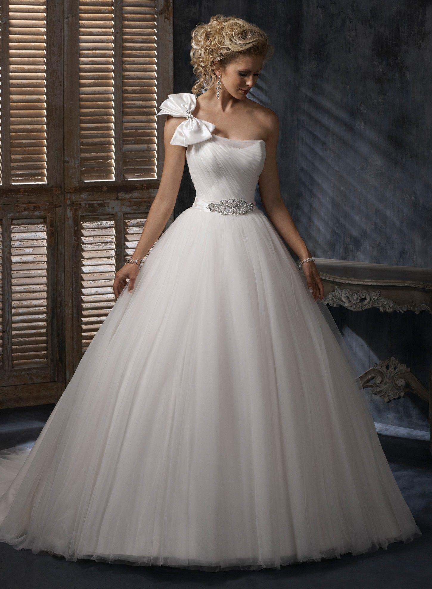 Robe de bal une épaule robe de mariage en organza tulle | Robes de ...