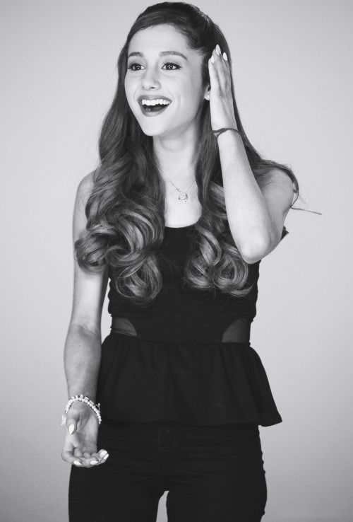 I'm so jealous of @Ariana Bourke Grande it's not even funny. She's so perfect and the reason I wanna act <3