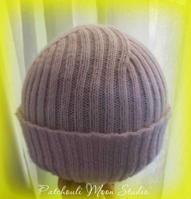 Patchouli Moon Studio~Knit hat with fingering weight yarn