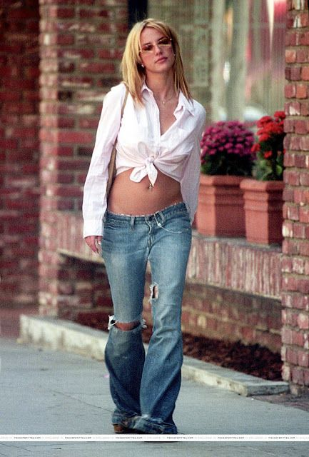 Extremely low rise jeans weren't just worn by celebrities in the 2000's. The