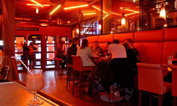 Put away the tourist guide and discover Paris's bars, restaurants and attractions that pull in the locals