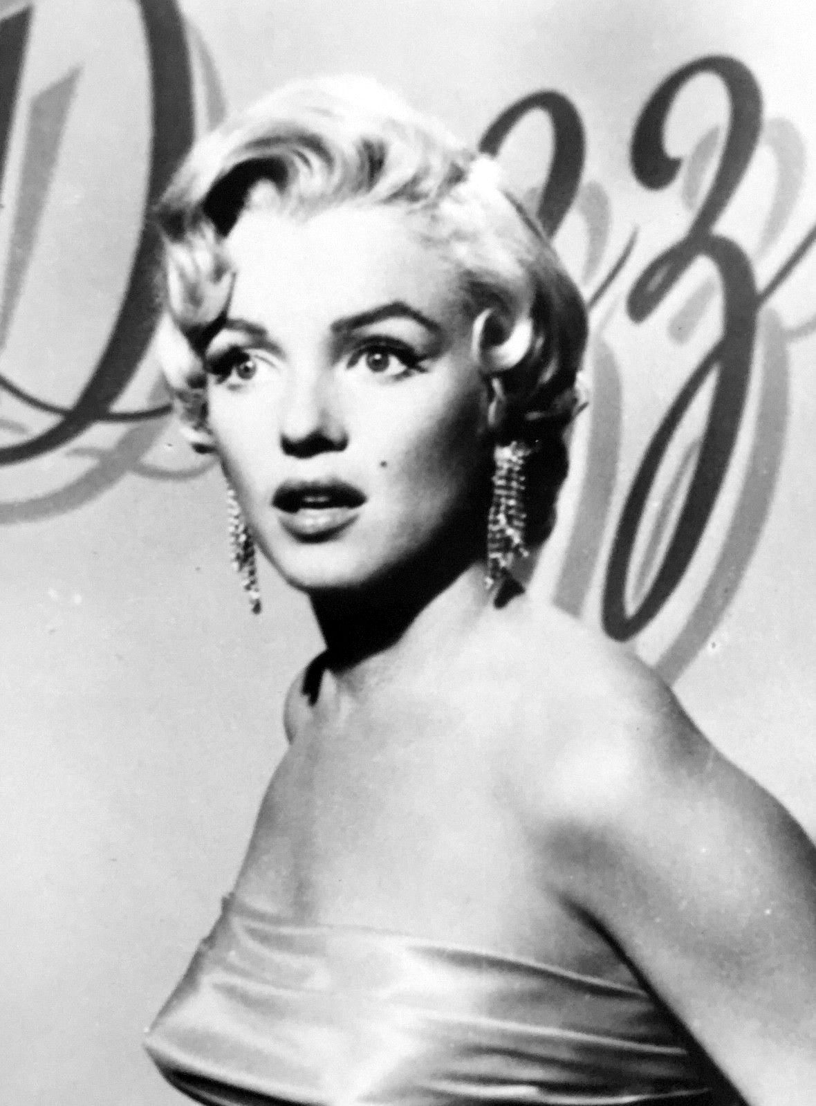 Marilyn Monroe In A Promotional Photograph For The Seven Year Itch 1954