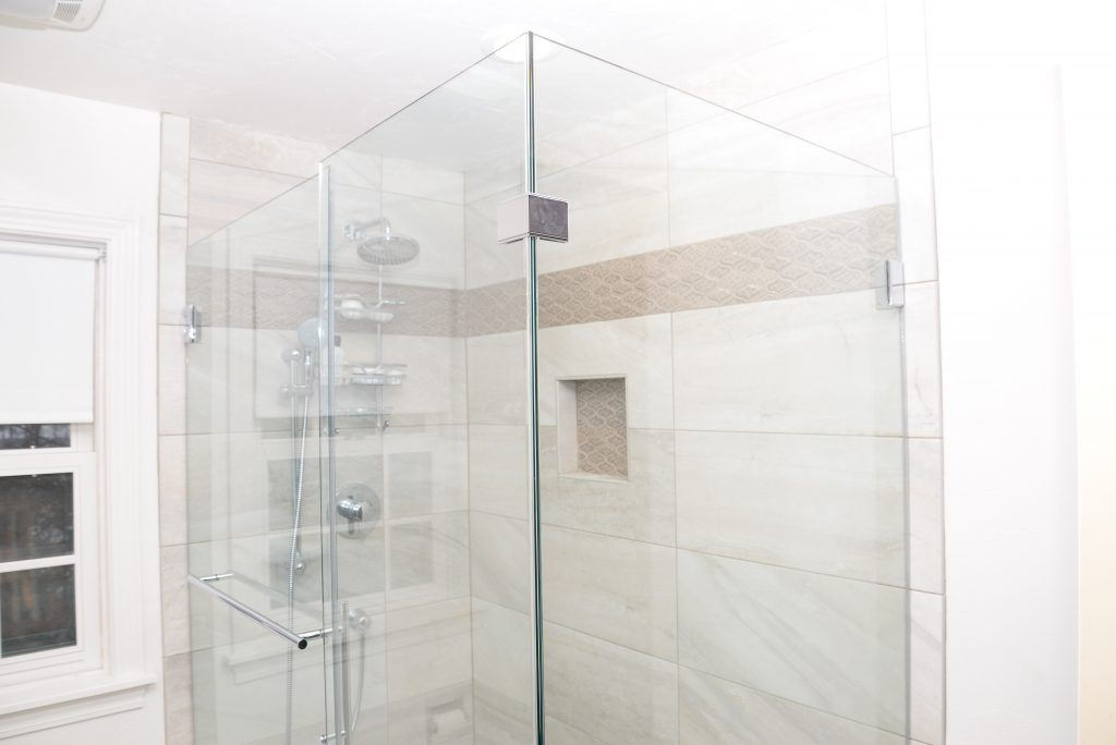 Cream Tiled Shower with Accent Tile, Clear Glass Shower Enclosure ...