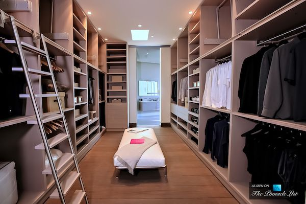 Blue Jay Way Walk In Closet, Los Angeles / Mcclean Design