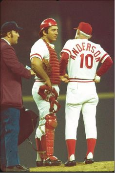 Johnny Bench And Then Wife Vickie Chesser In 1975 Cincinnati