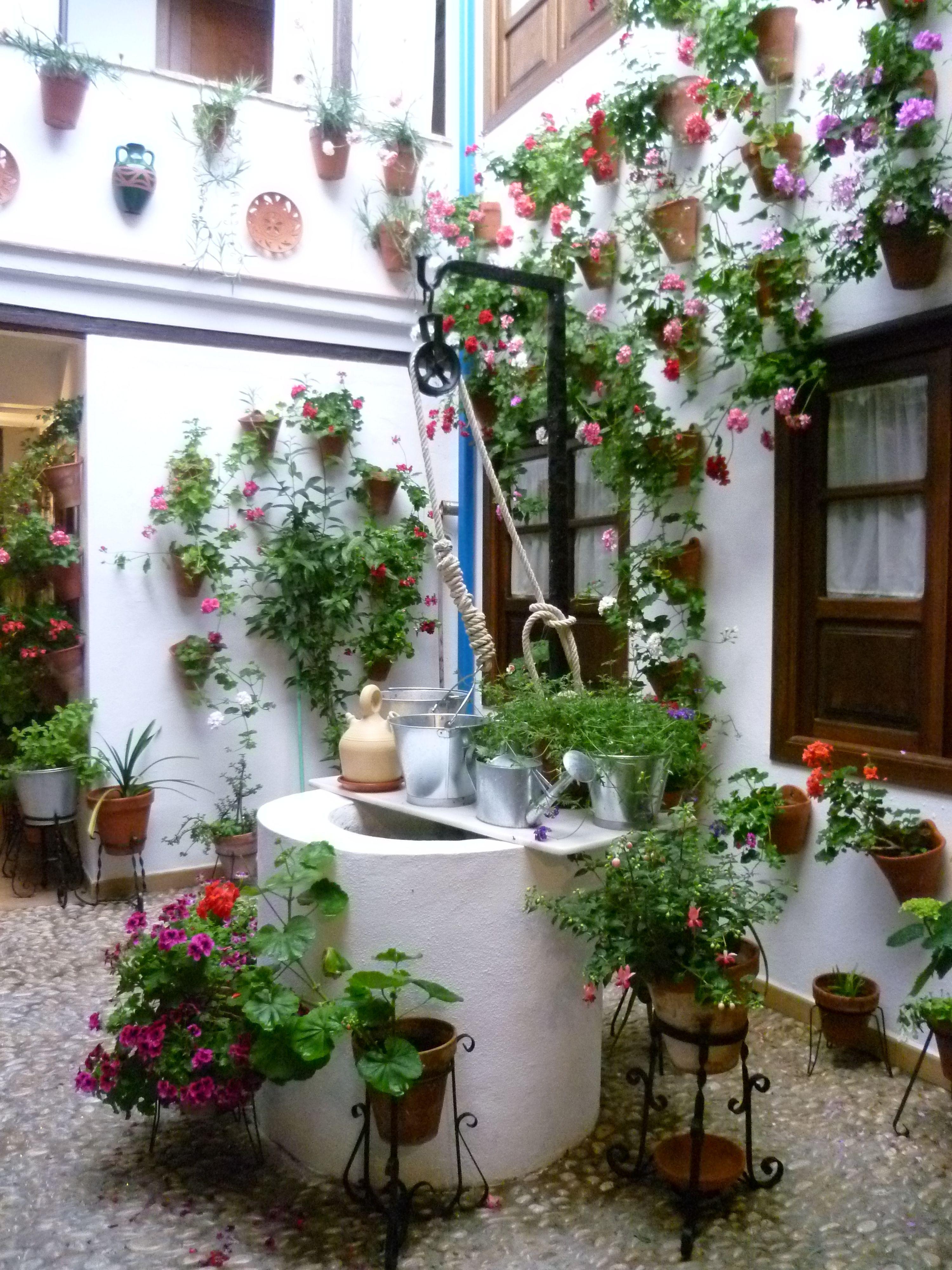 Casa patio andaluz patios andaluces pinterest patios for Patios andaluces decoracion