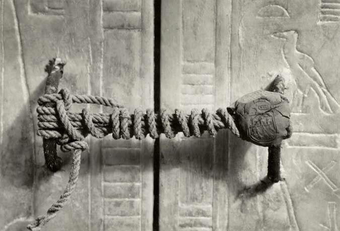 Candado en tumba de Tutamkamon