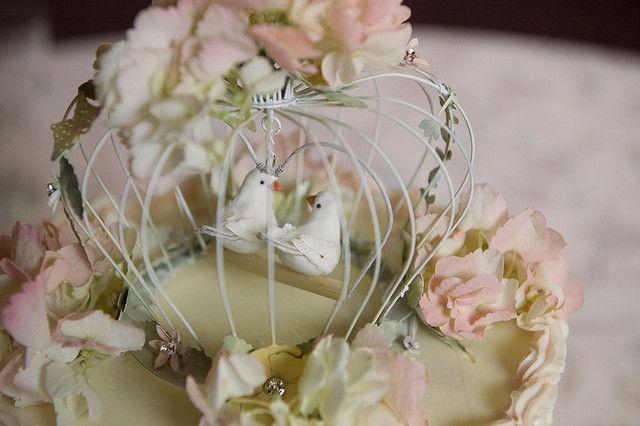 Cute Cake Topper Lovebirds In A Cage Birdcage Weddingcake