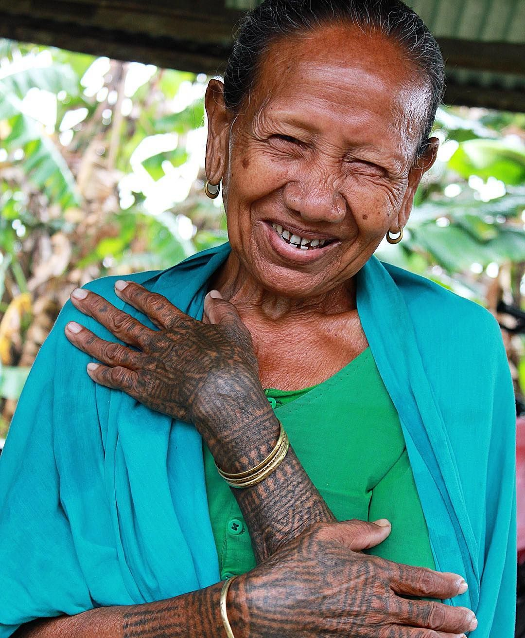 c30efb951 Tharu lady from southern Nepal, 2015. Taken by Travelin' Mick Tattoo ...
