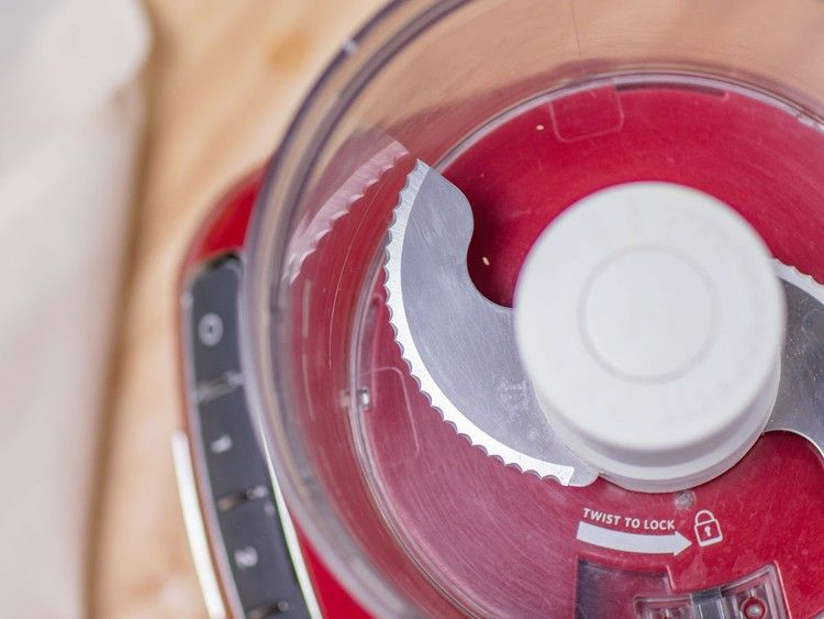 5 best food processors tested by food network kitchen