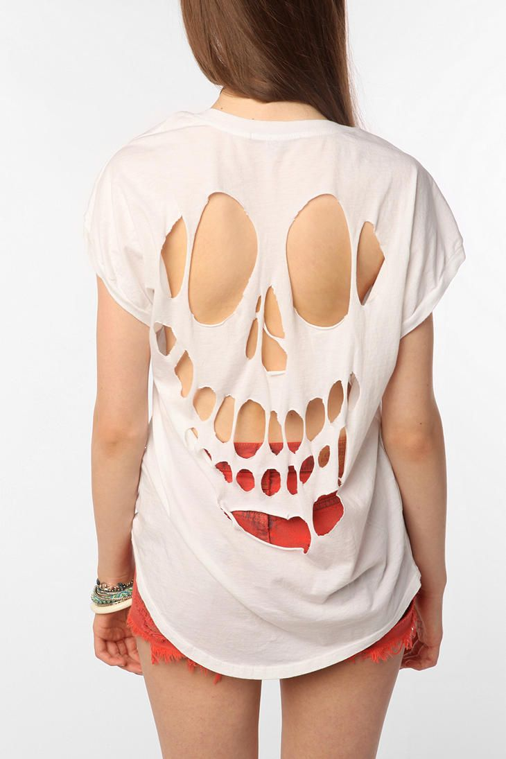 Diy: Halloween skull cutout tee recommendations to wear for everyday in 2019