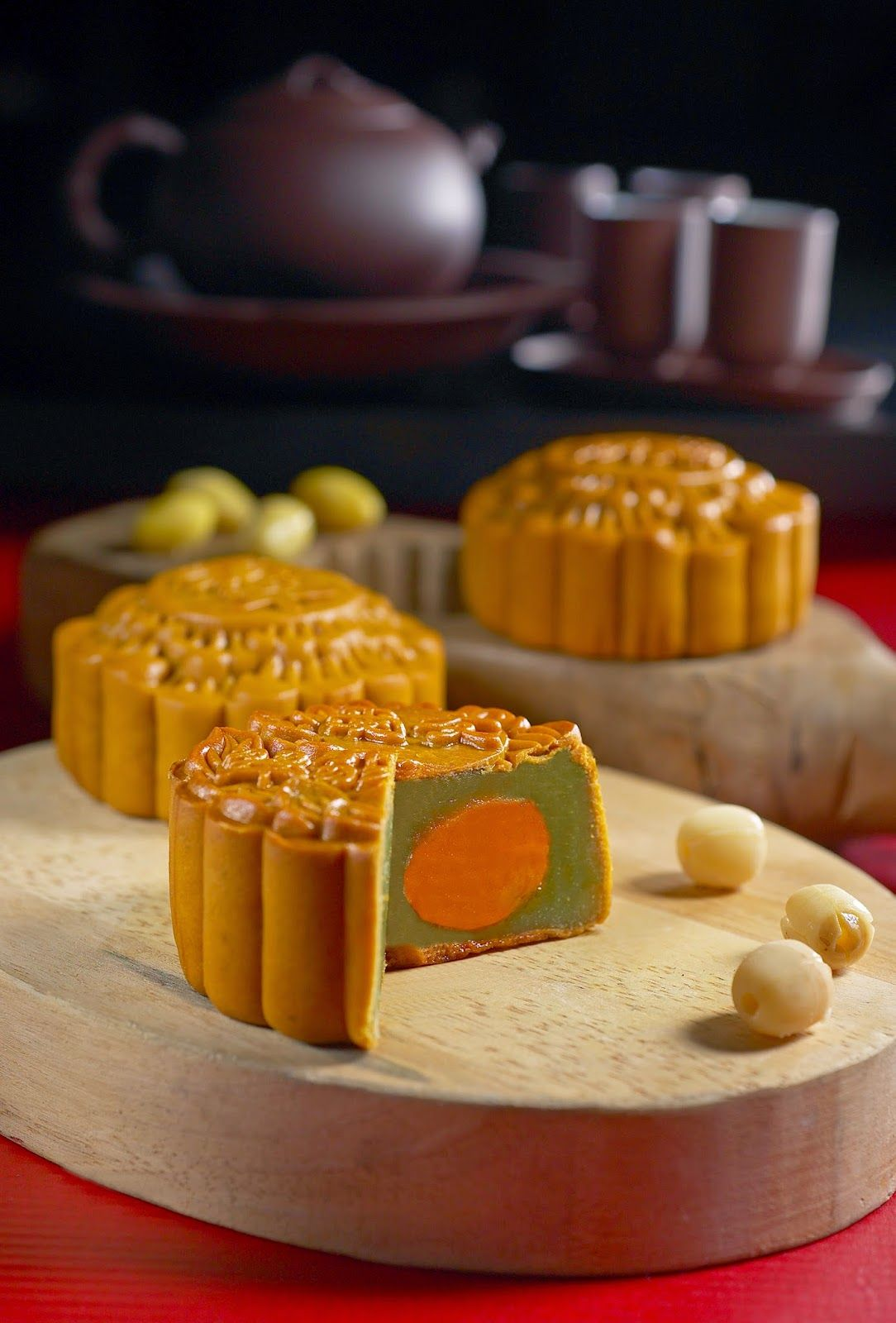 TRADITIONALLY TEMPTING MOONCAKES AT SI CHUAN DOU HUA
