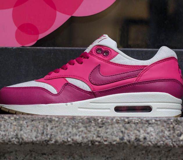 separation shoes 4c437 ad19c Nike Wmns Air Max 1 Vintage-Sail-Sport Fuchsia-Pink Force