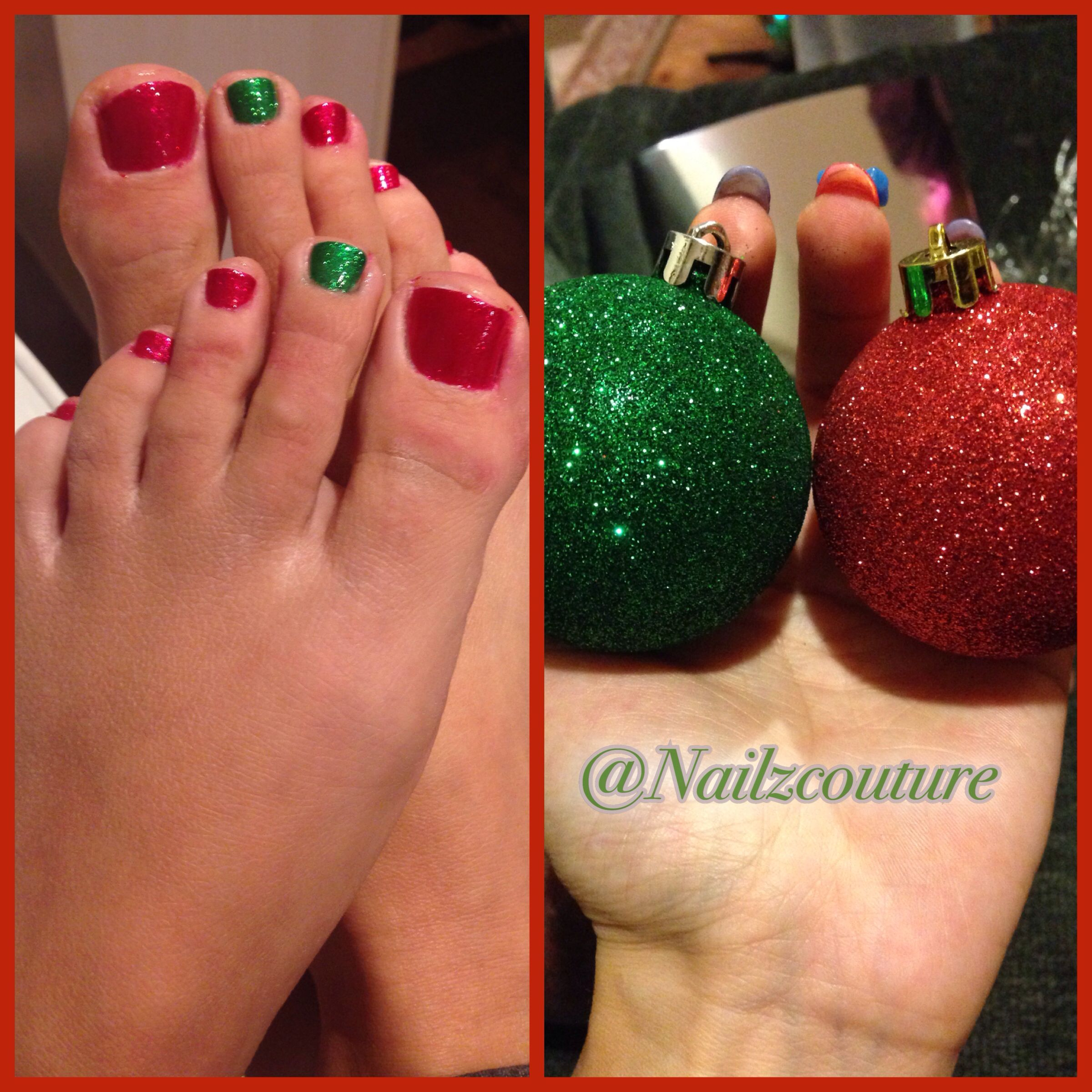 Christmas pedicure | My nail art all hand painted | Pinterest ...