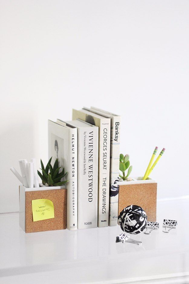 38 brilliant home office decor projects desk accessories tables 38 brilliant home office decor projects bookends diybook holderssucculent solutioingenieria Image collections