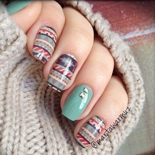 Aztec nails woot!