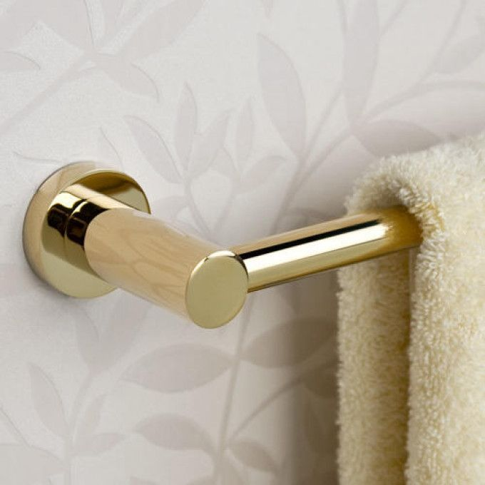 Ceeley Collection 5 Piece Bathroom Accessory Set In Polished Brass