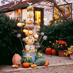 Write Fall or boo so cute Halloween outdoor decorations