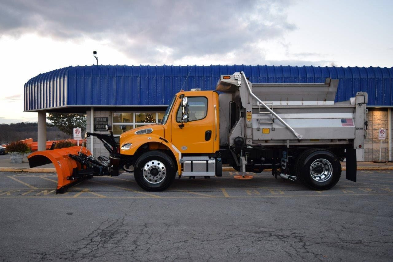 Monroe Truck Equipment >> These Freightliner Trucks Were Out Fitted With Monroe Truck