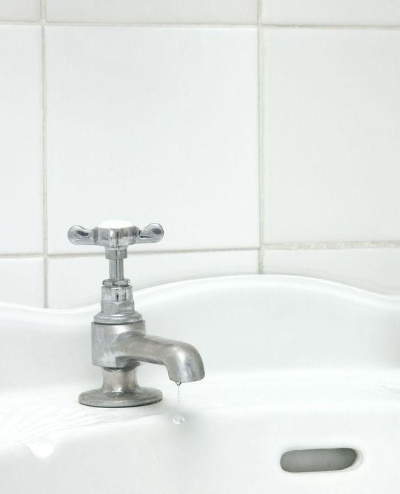 Voegen schoonmaken in de badkamer | #FlairNL | schoonmaaktips ...