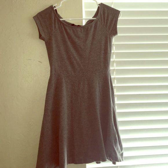 Gray skater dress from Forever 21 Gray t-shirt material skater dress. Super cute on. Forever 21 size S. Forever 21 Dresses Mini