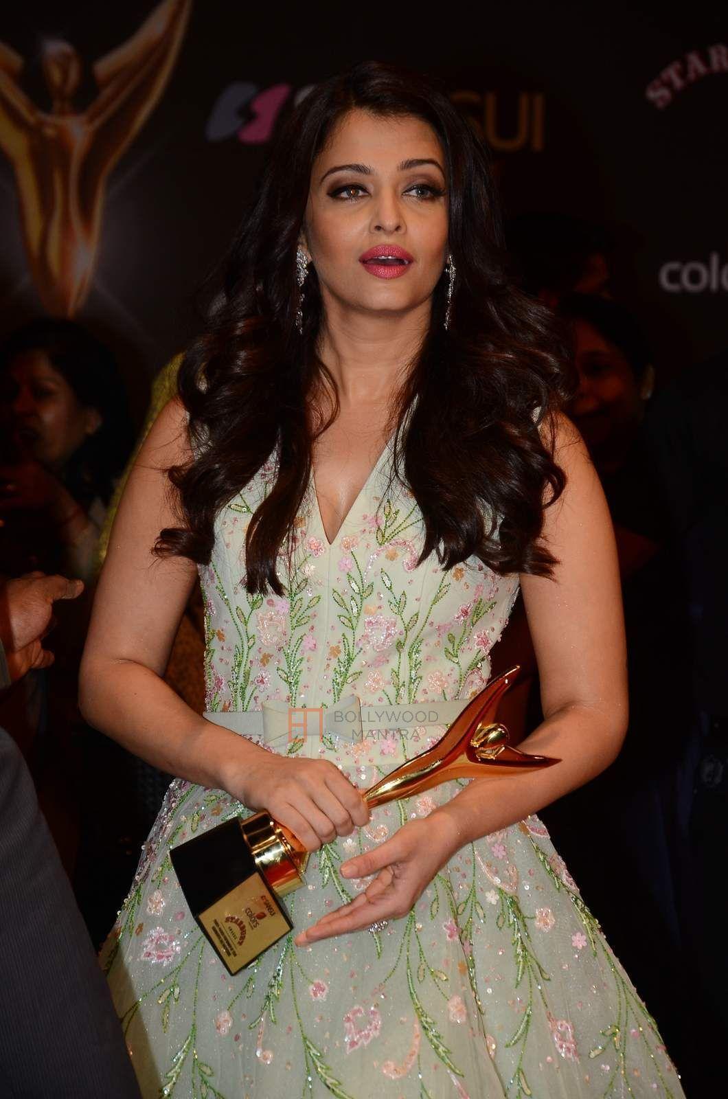 Aishwarya Rai Bachchan | Sansui Colors Stardust Awards 2015 Photo #611