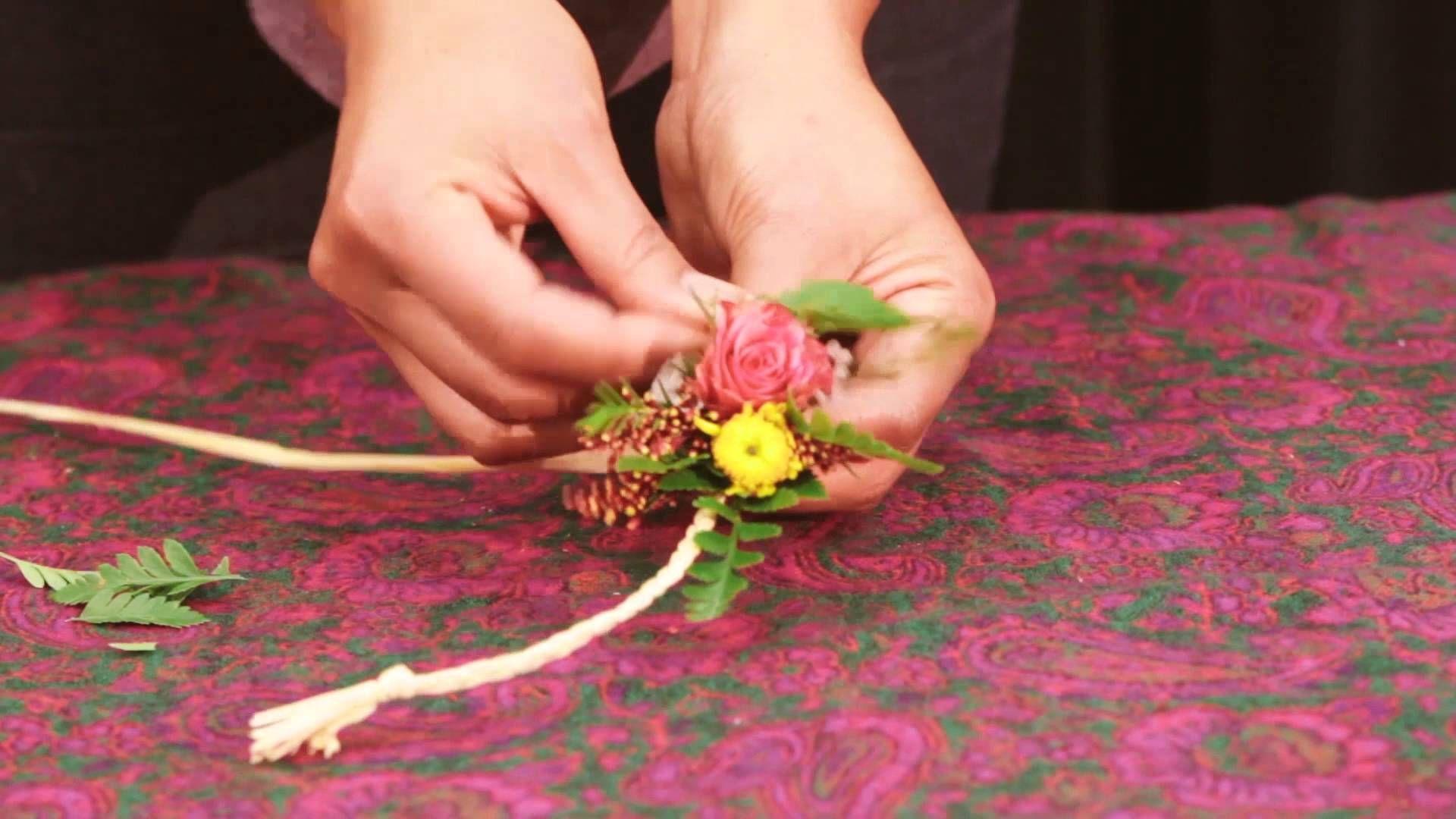 How to make a haku lei flowers pinterest leis hawaiian and hula how to make a haku lei izmirmasajfo