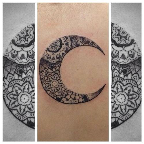 Mandala In A Moon Ink Pinterest Idees De Tatouages Tatouages