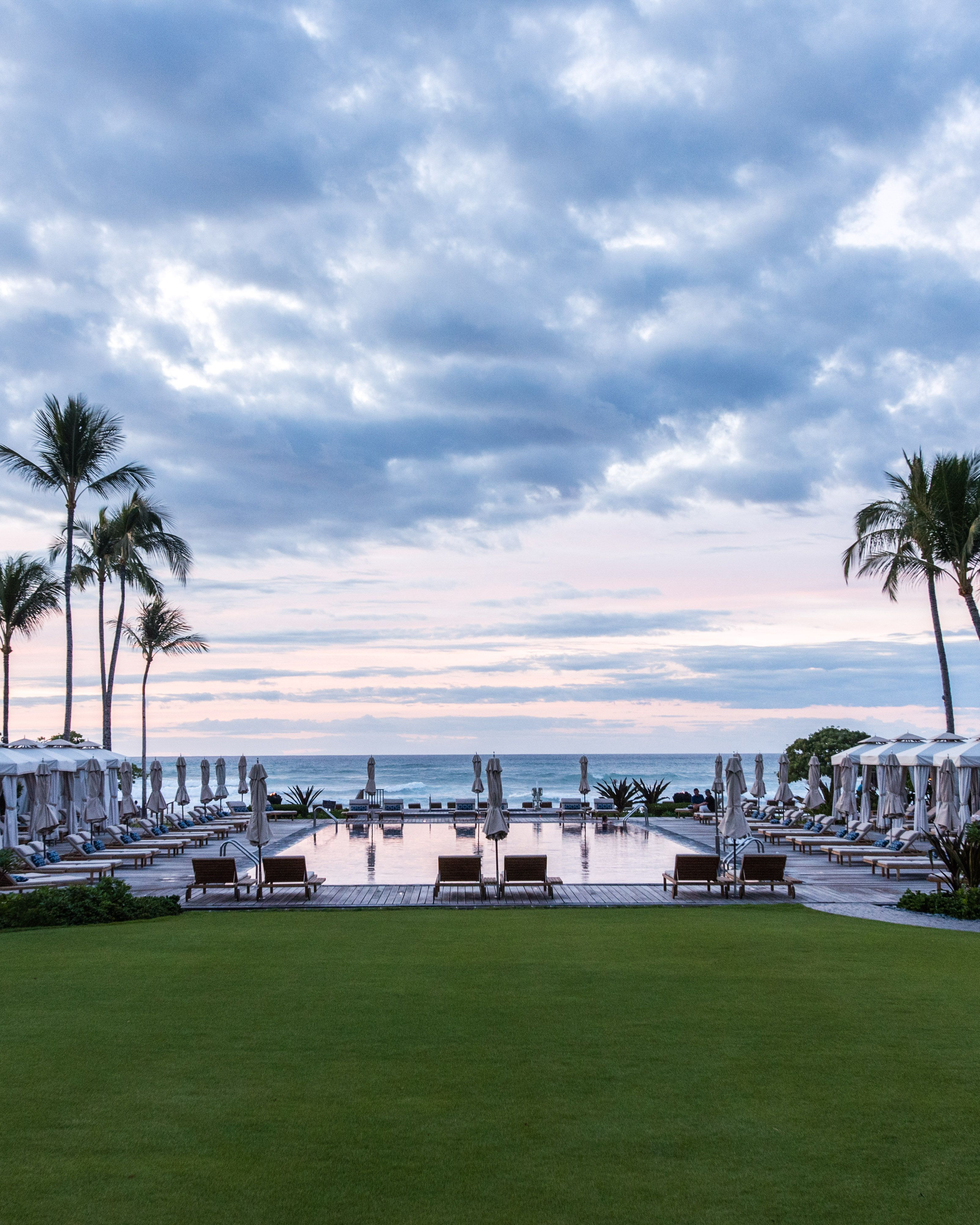 The Luxurious Four Seasons A Dreamy Hawaii Backdrop Your Next