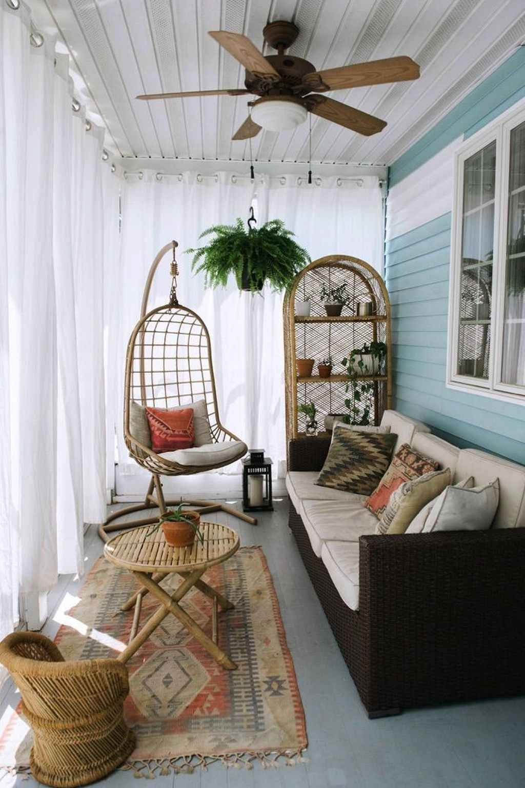 19 Cozy Farmhouse Sunroom Decor Ideas  Small sunroom, Sunroom