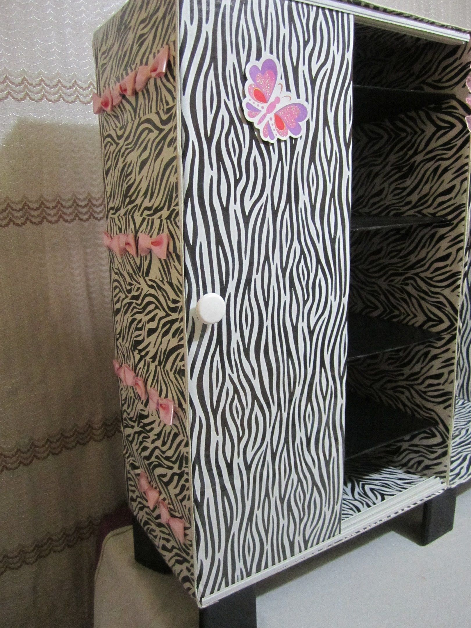 Mueble organizador para zapatos hecho de cart n - Cajas decoradas para bebes ...