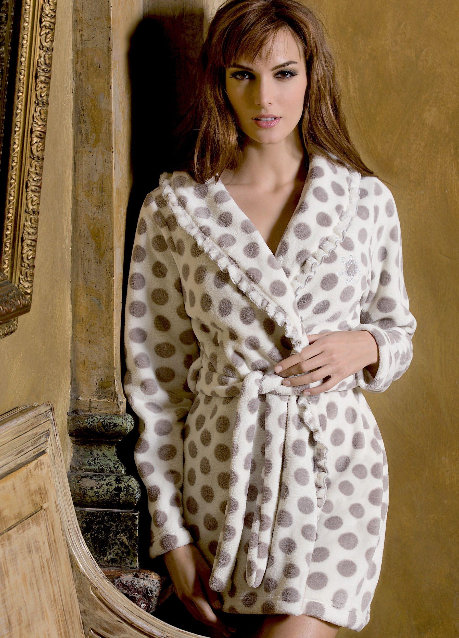 Tenue D Intérieur Femme Polaire : pingl par r servoir mode sur laura biagiotti homewear ~ Nature-et-papiers.com Idées de Décoration
