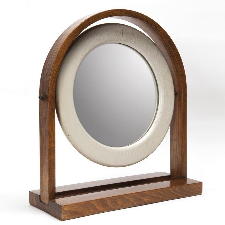 ETTORE SOTTSASS Uno specchio da tavolo per POLTRONOVA, Legno di olmo, legno laccato, ottone, cristallo argentato. Cm 48,5 x 42.