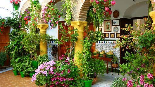Patios de cordoba cerca con google patios espa oles - Patios interiores andaluces ...