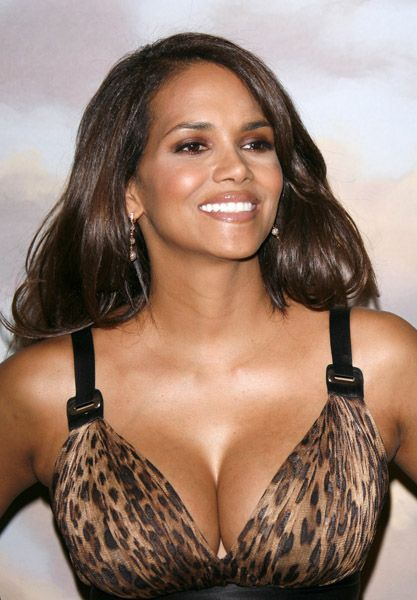 Most Requested Breasts Halle Berry Halle Berry Halle Actresses