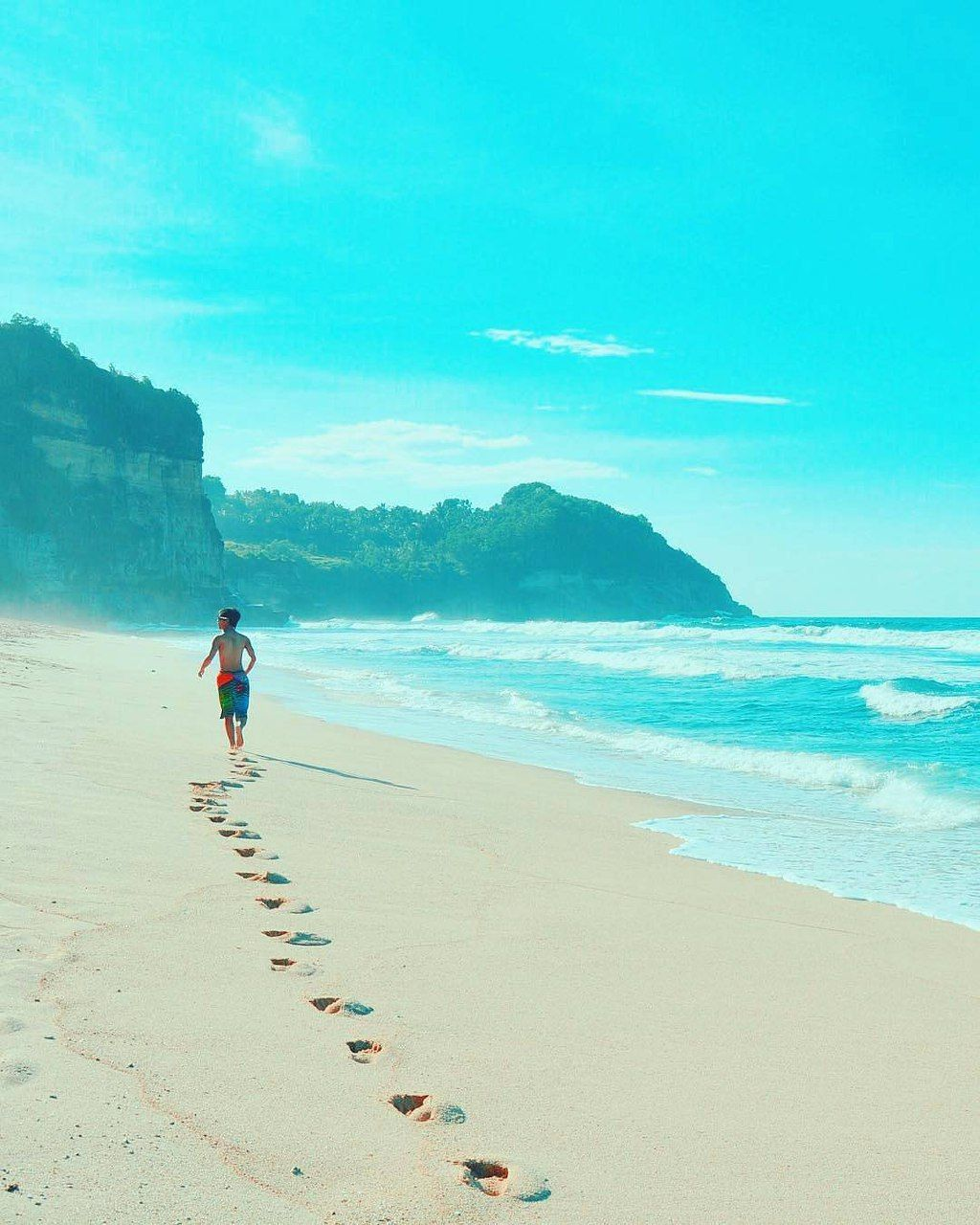 Buyutan Beach A Beautiful Tropical Beach In Pacitan East Java Indonesia Photo By Ig Ariesynthezer Indonesia Beautiful