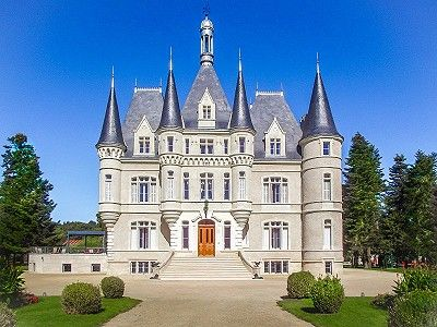 8 bedroom French chateau for sale, Poitiers, Vienne, Poitou
