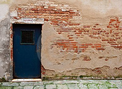 Wall Wth Exposed Brick Door Venice Italy Exposed Brick Stucco Walls Faux Brick Walls