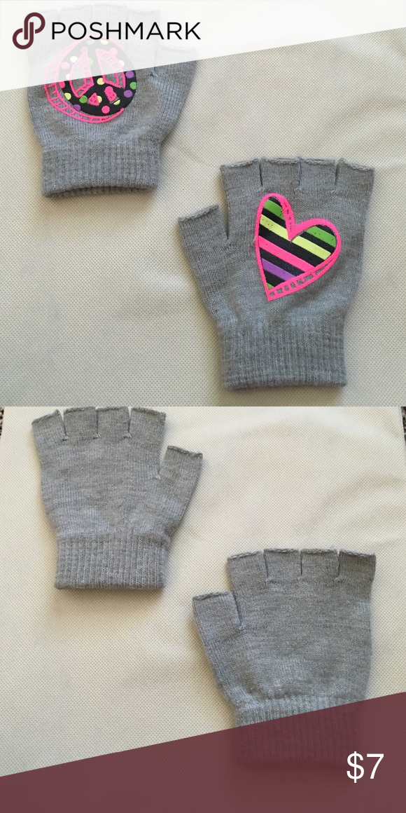 Fingerless gloves Peace sign and heart gloves Justice Accessories Gloves & Mittens