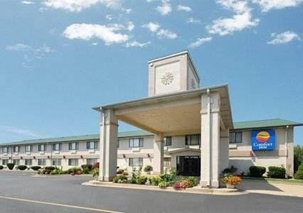 Quality Inn Ozark Missouri The Comfort Hotel Is Ideally Located Near Many