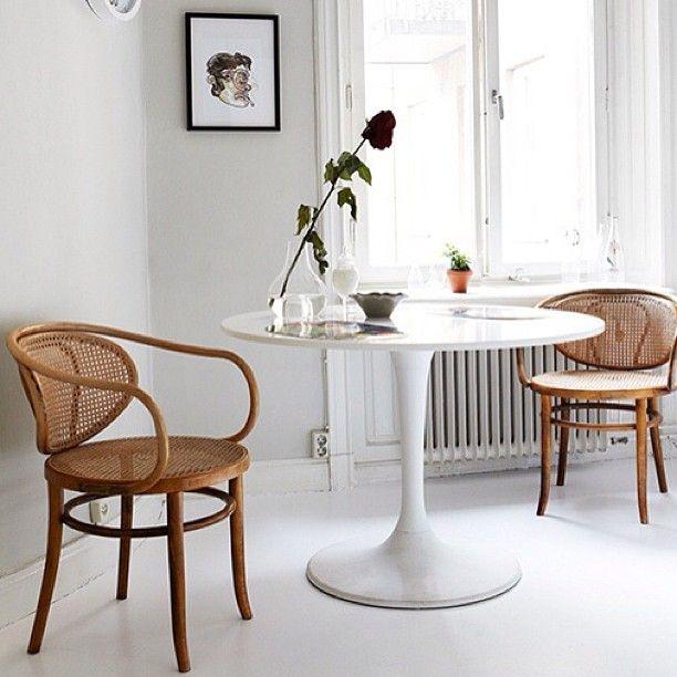 silla thonet mimbre   HOTEL   Decoración de unas, Mesa de diseño y ...