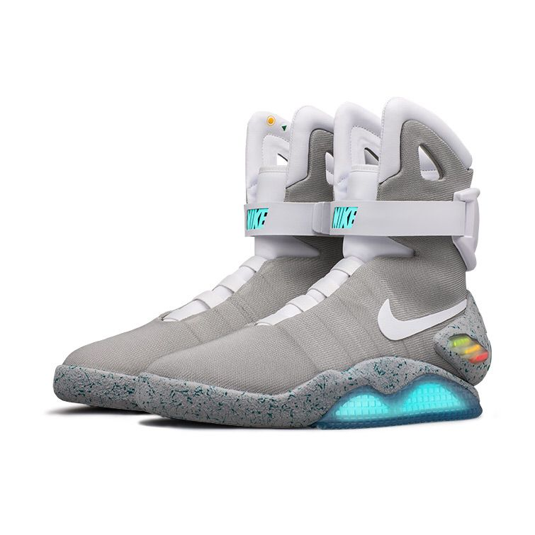 Engaño Quemar relé  NIKE x BACK TO THE FUTURES x McFLY x AIR MAGS | Nike air mag, Nike mag,  Sneakers men fashion