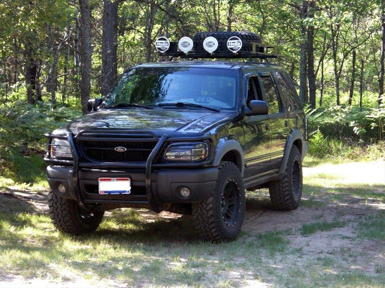 Pin By Cole Skelton On Explorer S Lifted Ford Explorer Ford