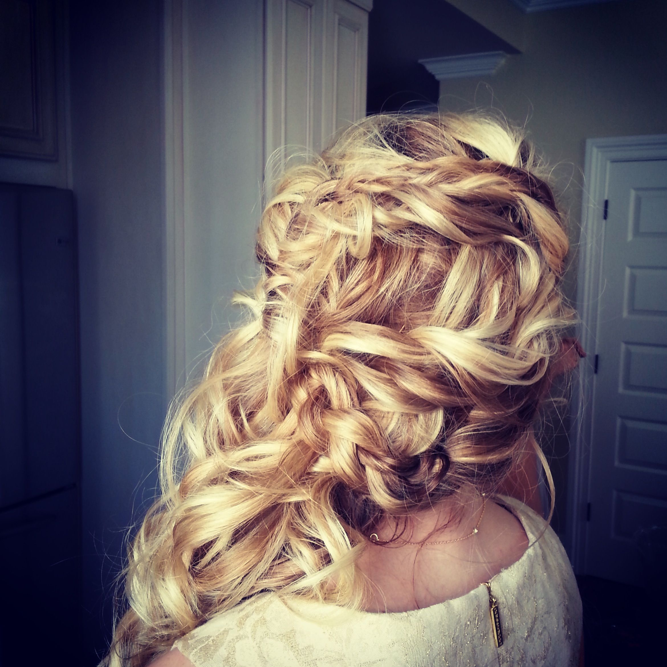 wavy bridal hair, bridal hair with braids, half down wedding hair