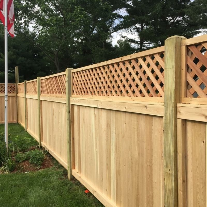 Cedar With Lattice Top Always A Great Privacy Fence Arrowfencecoinc Front Yard Fence Backyard Fences Fence Decor