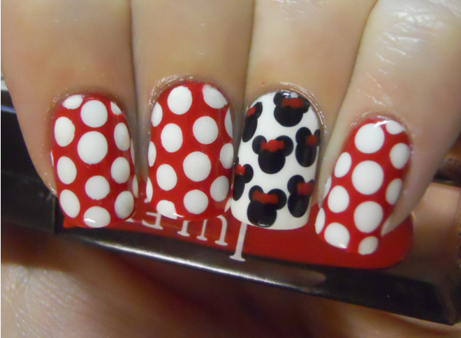 Holy Manicures: Minnie Mouse Nails.   ✖ nail art ✖   Pinterest ...