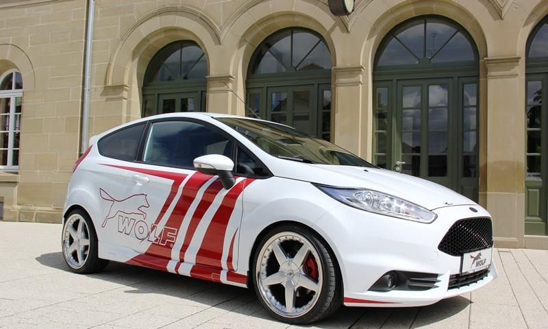 White Ford Fiesta Mk7 St With Red Body Painting Powered By Wolf
