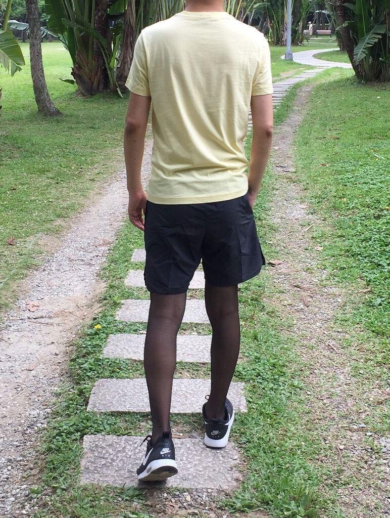 Pin on Men wearing tights (sports)