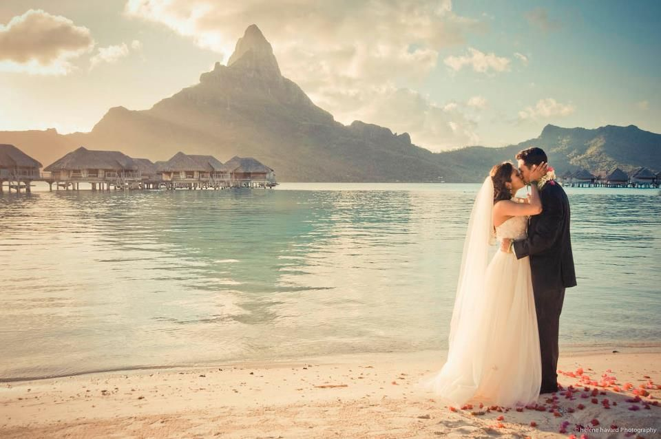 A look at the popularity of eloping on a south pacific holiday bora bora wedding on the beach junglespirit Image collections